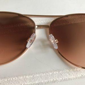 Jessica Simpson Accessories - NWOT Jessica Simpson Aviator Sunglasses.